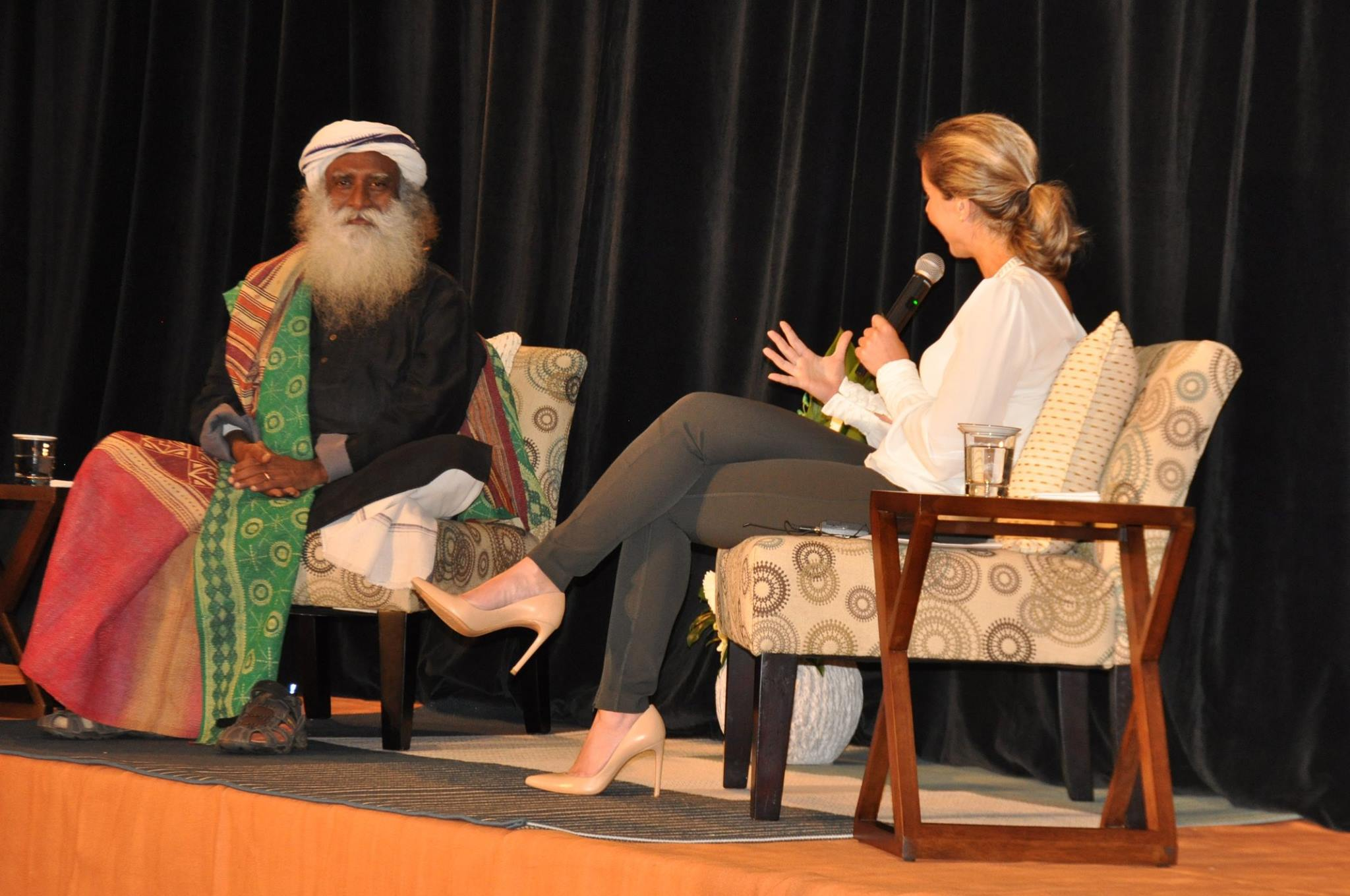 An evening with Sadhguru with host Andi Petrillo
